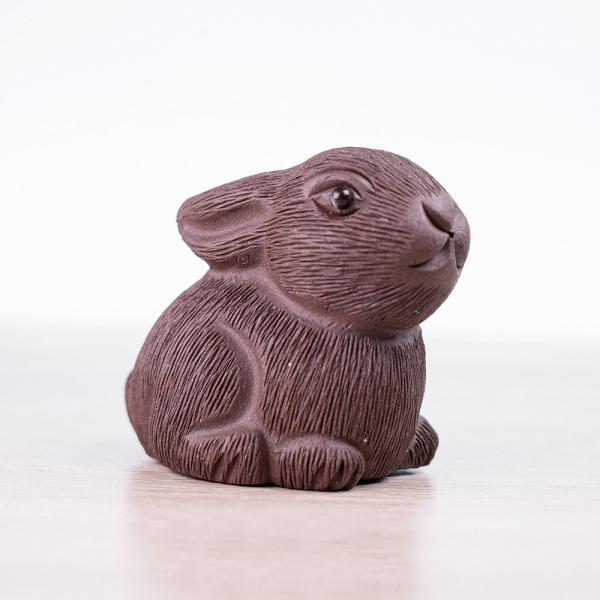 Чайная фигурка «Зайка» тёмный 4 см фото