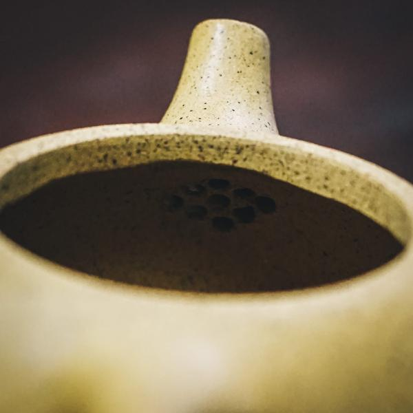 Исинский чайник «Сан Цзу Ши Пяо» белый 150мл