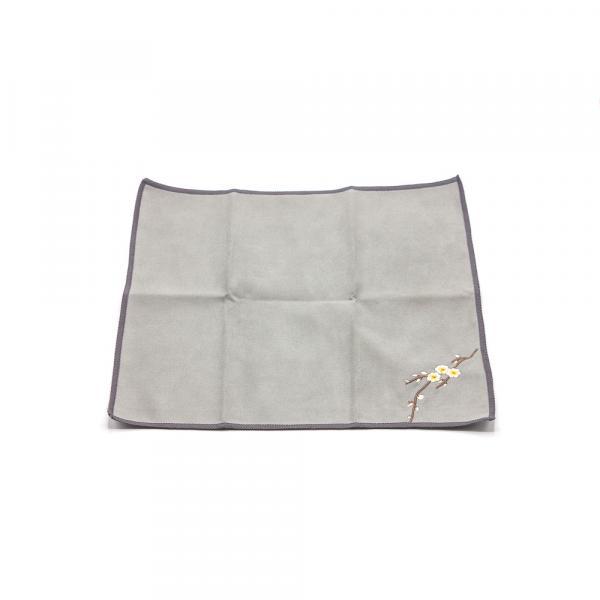 Чайное полотенце «Цветущая камелия» серое 30×30 см фото