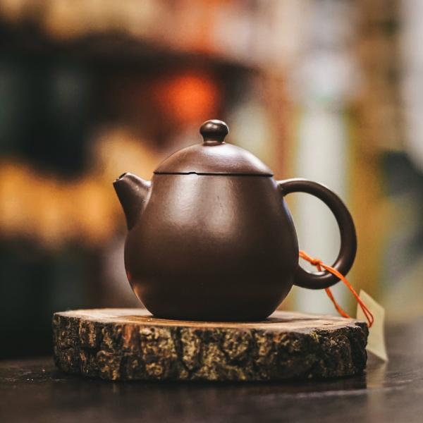 Исинский чайник «Лун Дан» из исинской глины 95 мл (Уценка: дефект крышечки) фото