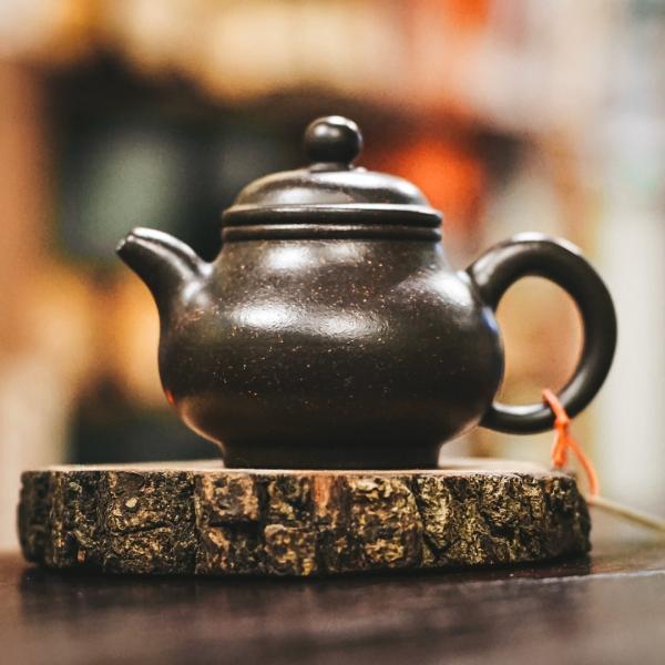 Исинский чайник «Жун Тянь Ху» из исинской глины 100 мл фото