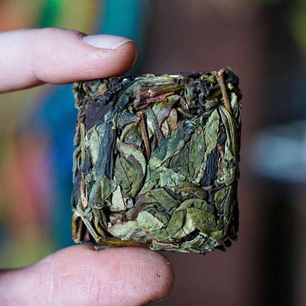 Чай улун Шуй Сянь «Слабый огонь» Цин Хуо фото