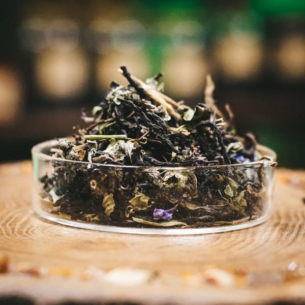 Травяной чай «Сосновый бор» с зизифорой и малиной фото