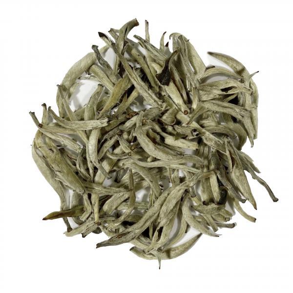 Белый чай Байхао Инчжэнь фото